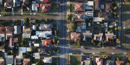 Imagem aerea de casas na california